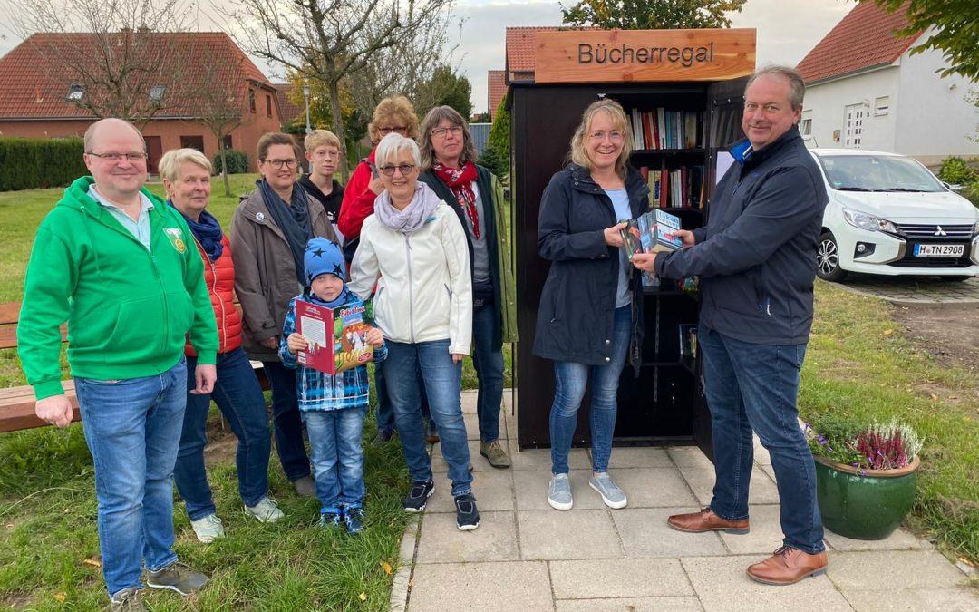 DGV weiht Bücherschrank ein